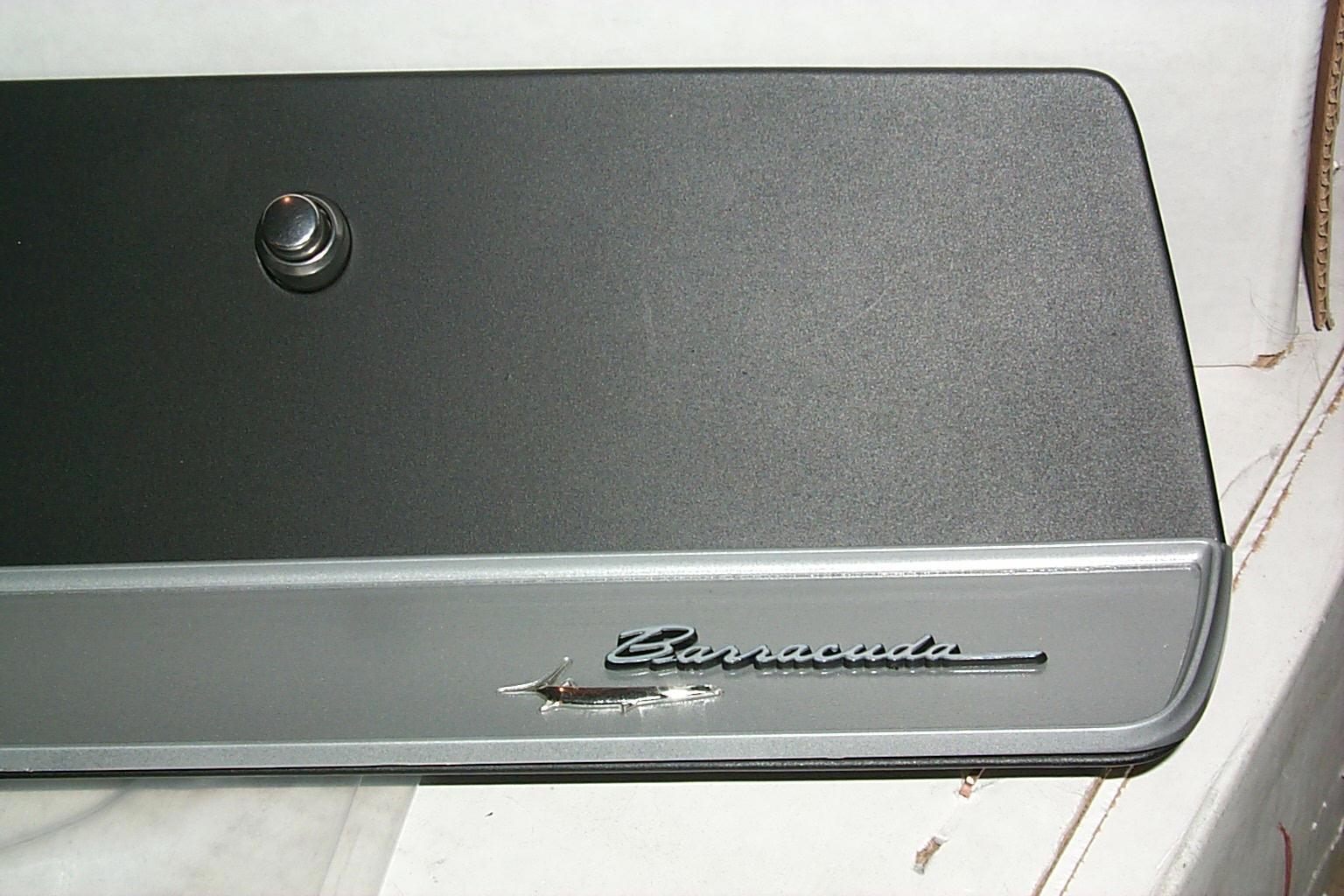Barracuda script emblem.